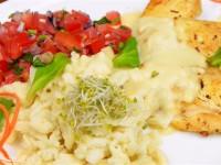 Złocisty filet w sosie serowym