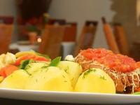 Filet z kurczaka z serem i pomidorami